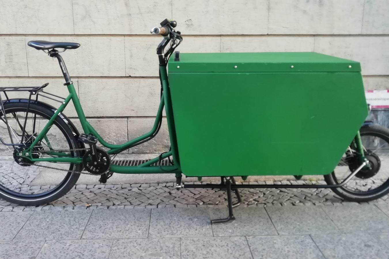 Messenger-Box mit grüner Sonderlackierung RAL #6035  - Quelle: null