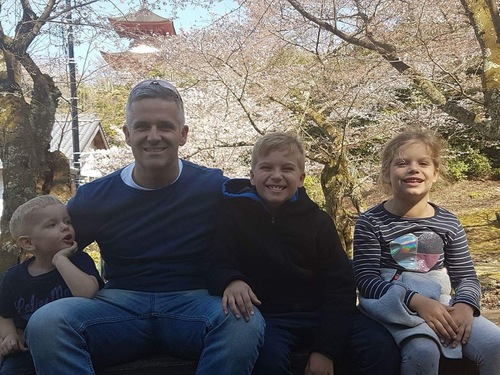 howflexibilitysavedmylife_richard fryer with his children.jpeg