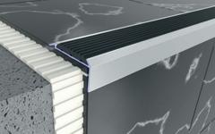 Aluminium-rubber stair nosing by Braz Line
