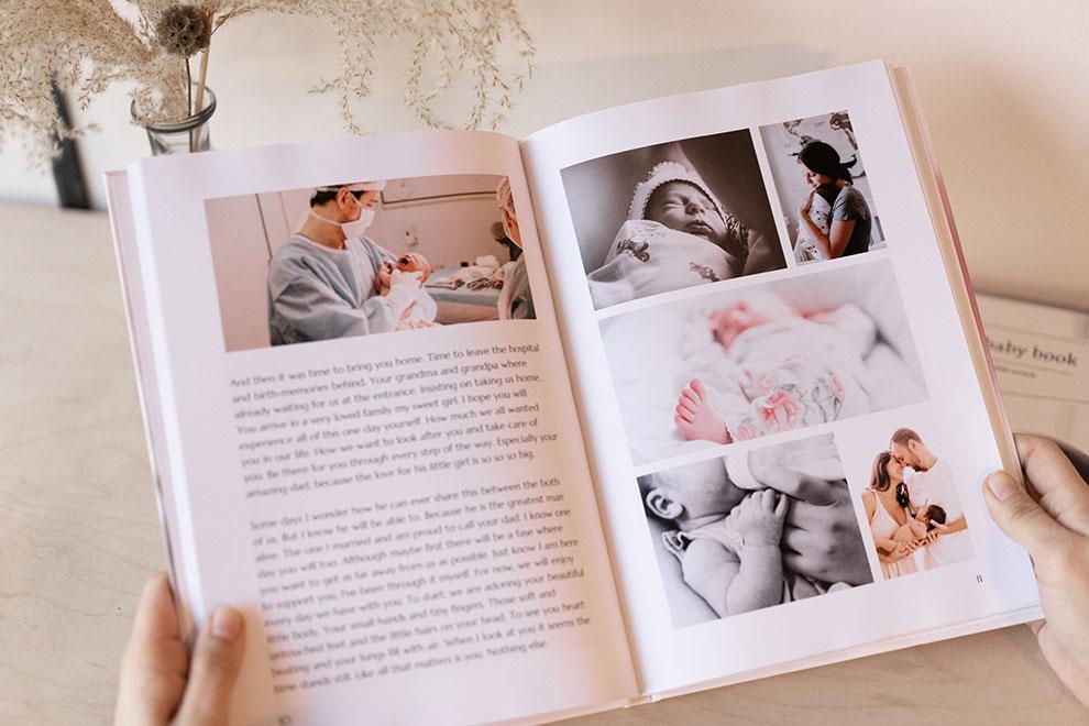 Dierbare herinneringen in foto's en tekst vastgelegd in babyboek