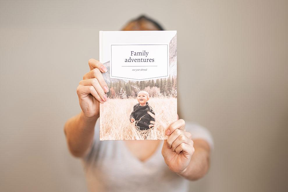 Familieavonturen gebundeld in een familie album bij Baby Diaries