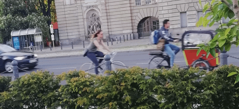 cargobike-in-front-fuzzy.png