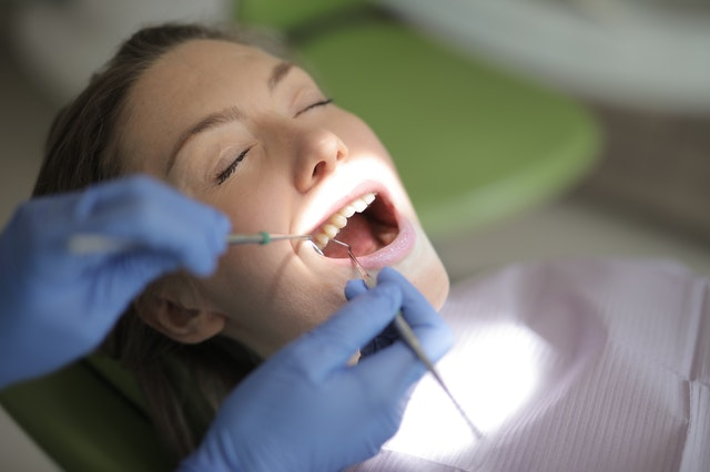 SAFE AND PAINLESS DENTAL CLEANING