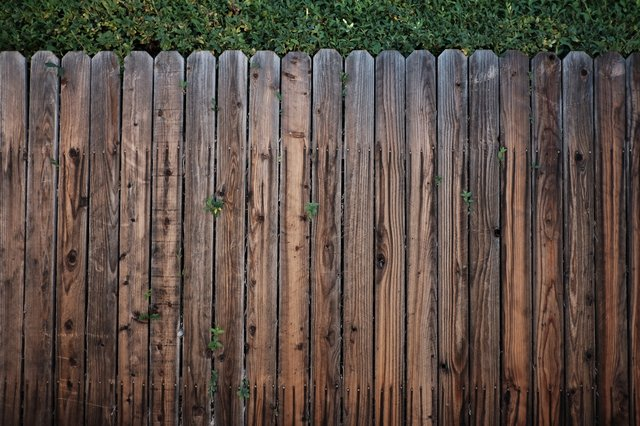 6 Key Benefits of Hiring Professionals to Build Your Fence