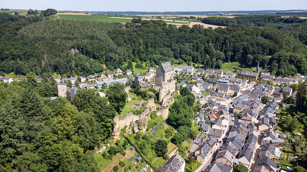 Uitzicht op dorpjes in regio Mullerthal, Luxemburg