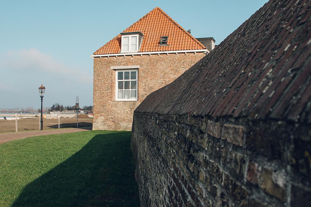 Wandeling langs de stadsmuur in Harderwijk