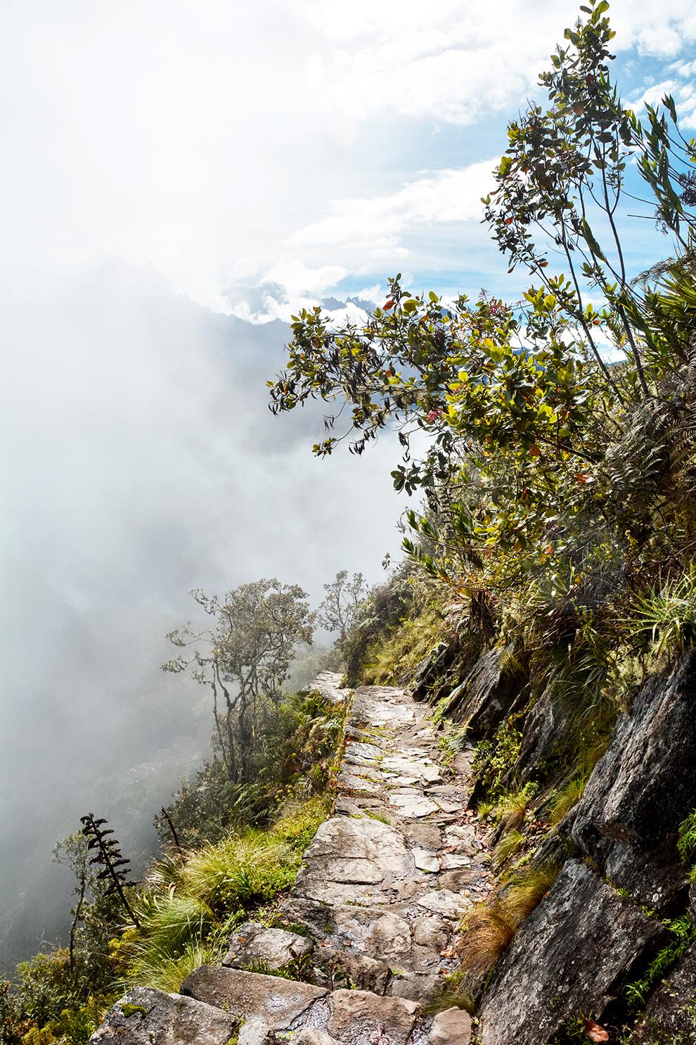 Avontuurlijk stenen wandelpad op de Montaña Machu Picchu in Peru