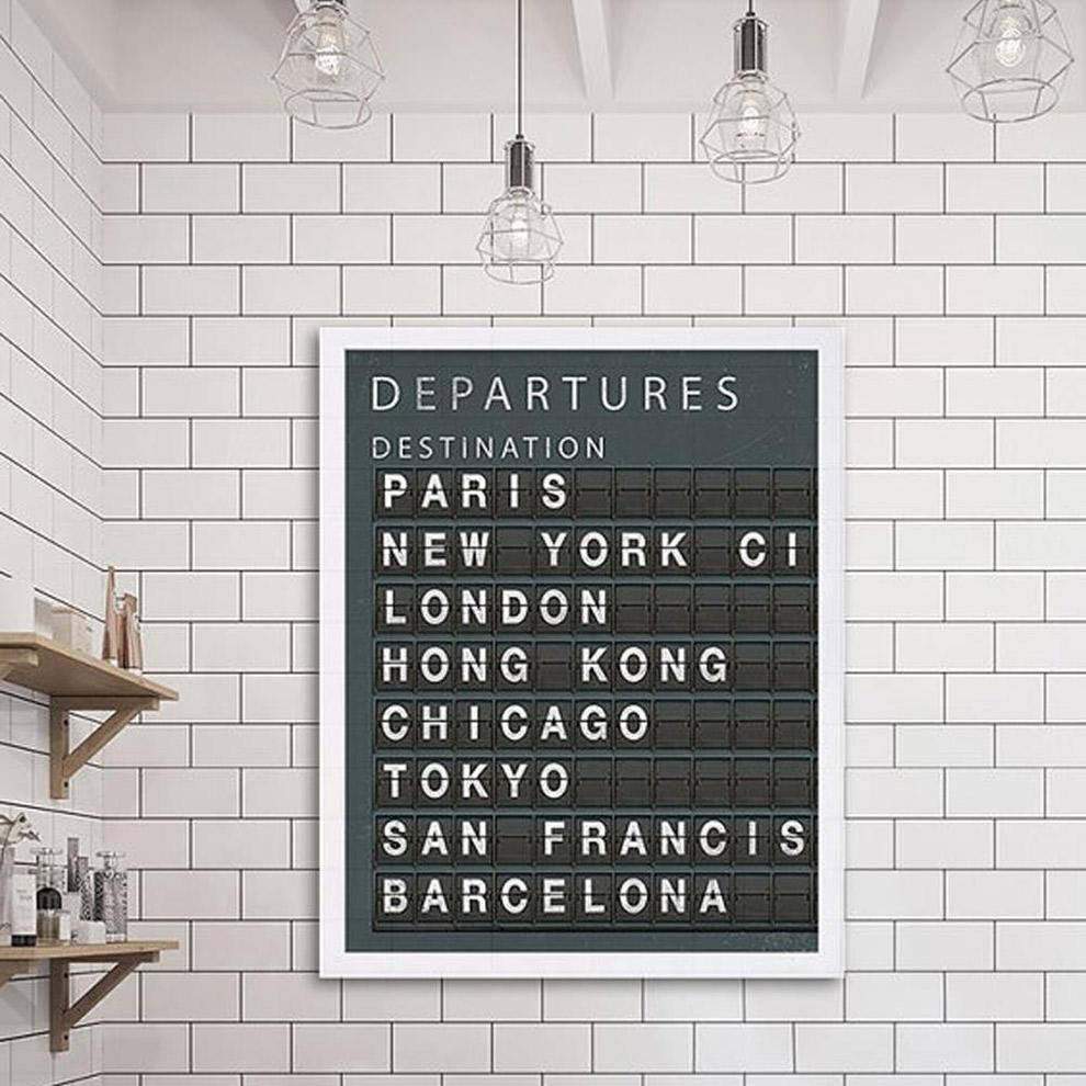 Muurdecoratie in de vorm van een departure bord voor reisliefhebbers