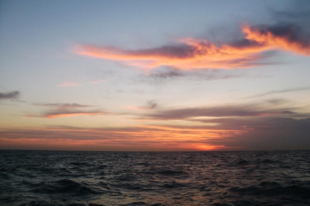 Zonsondergang vanaf de zeilboot
