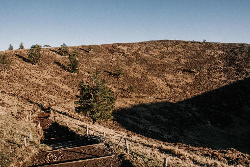 Lange vlondertrap van het geitenpad in de Franse Auvergne