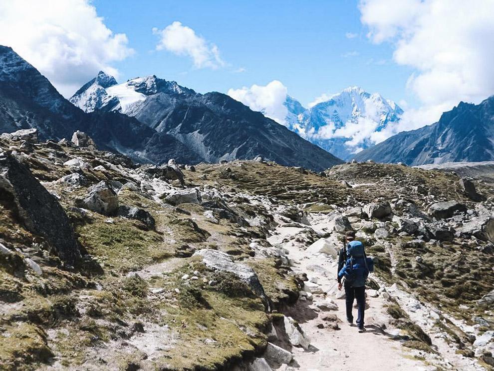 Zware wandeltocht door de Himalaya op 4000 meter hoogte