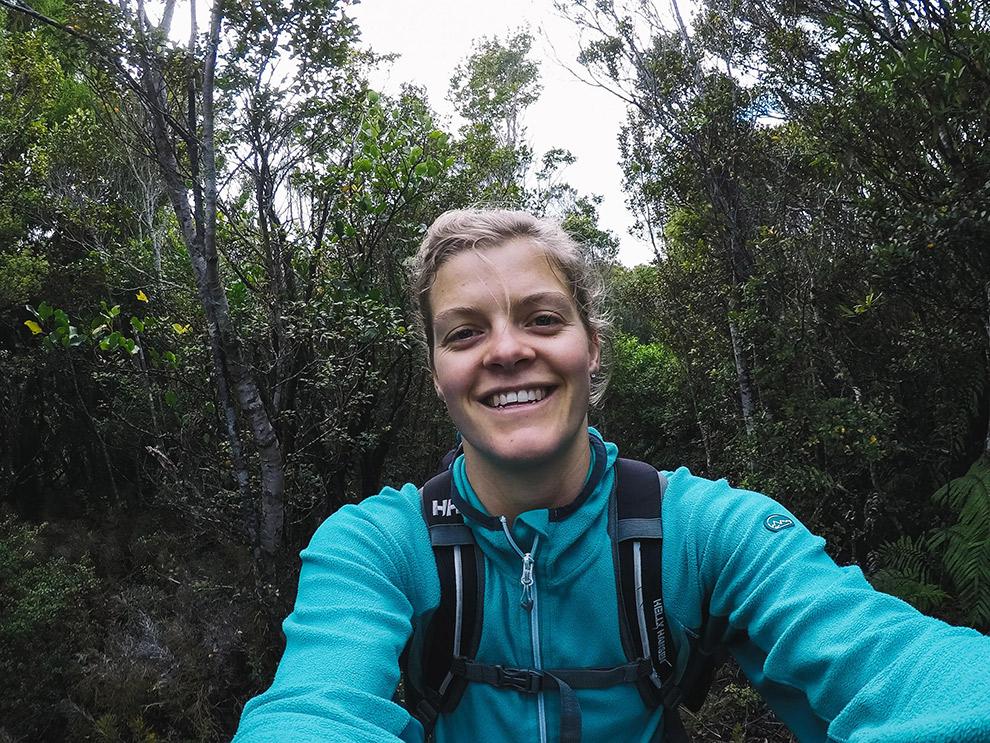 Blogger Charlotte neemt een selfie op de Te Puru track in Nieuw-Zeeland