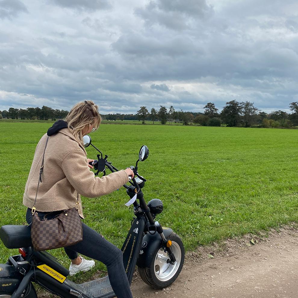 Met de e-chopper door groene Hollandse weilanden