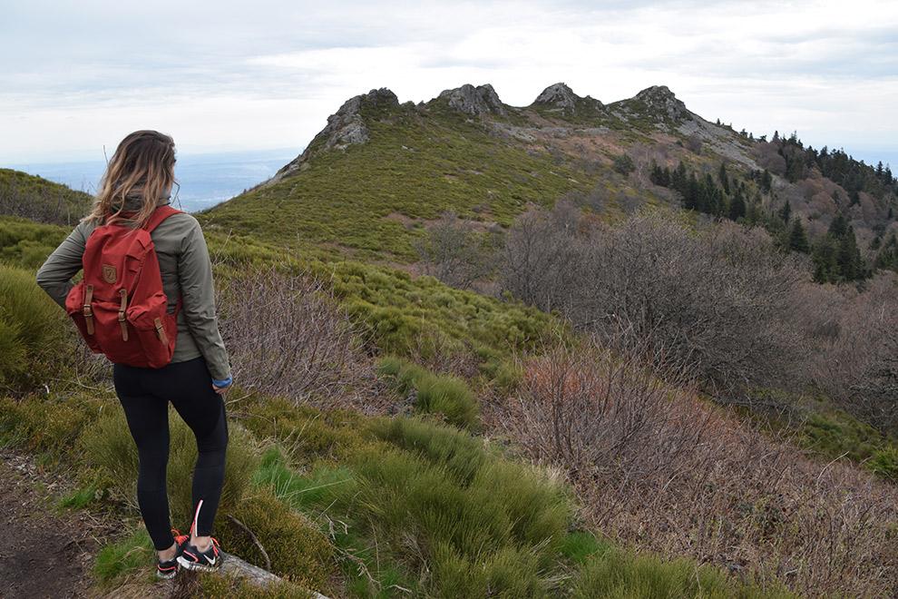 De perfecte hike outfit en wandeltas bestaande uit verschillende lagen