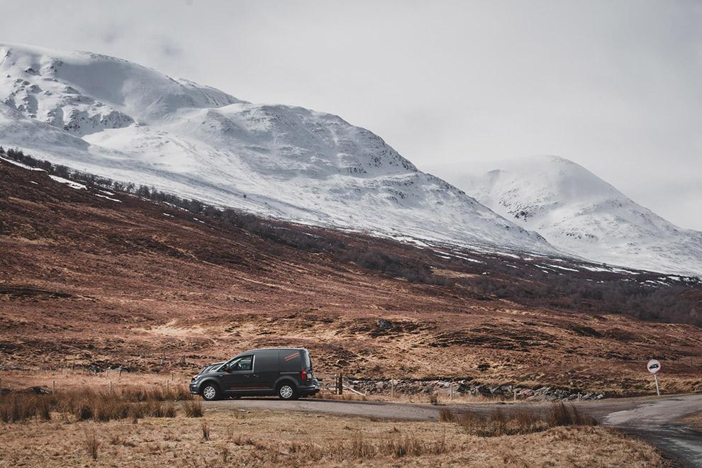 Winterse roadtrip met busje door Schotse Cairngorms