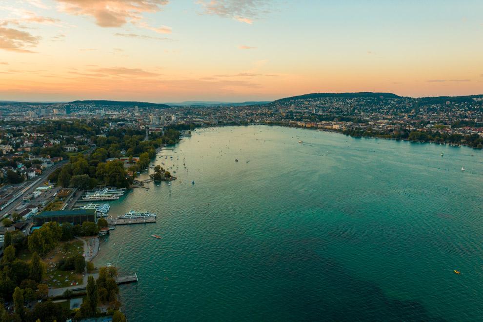 Uitzicht op het meer van Zurich