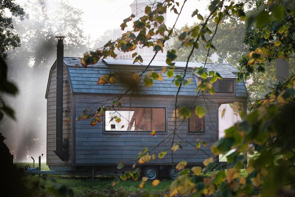 Een huis op wielen in de natuur vlakbij Brugge
