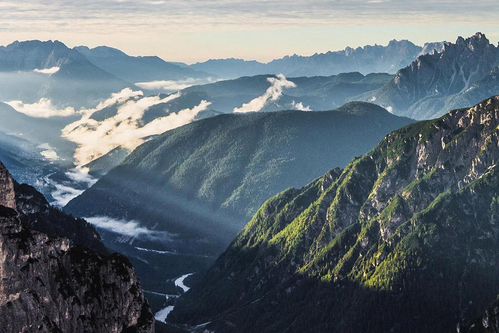 Uitzicht over de Italiaanse Dolomieten van grote hoogtes