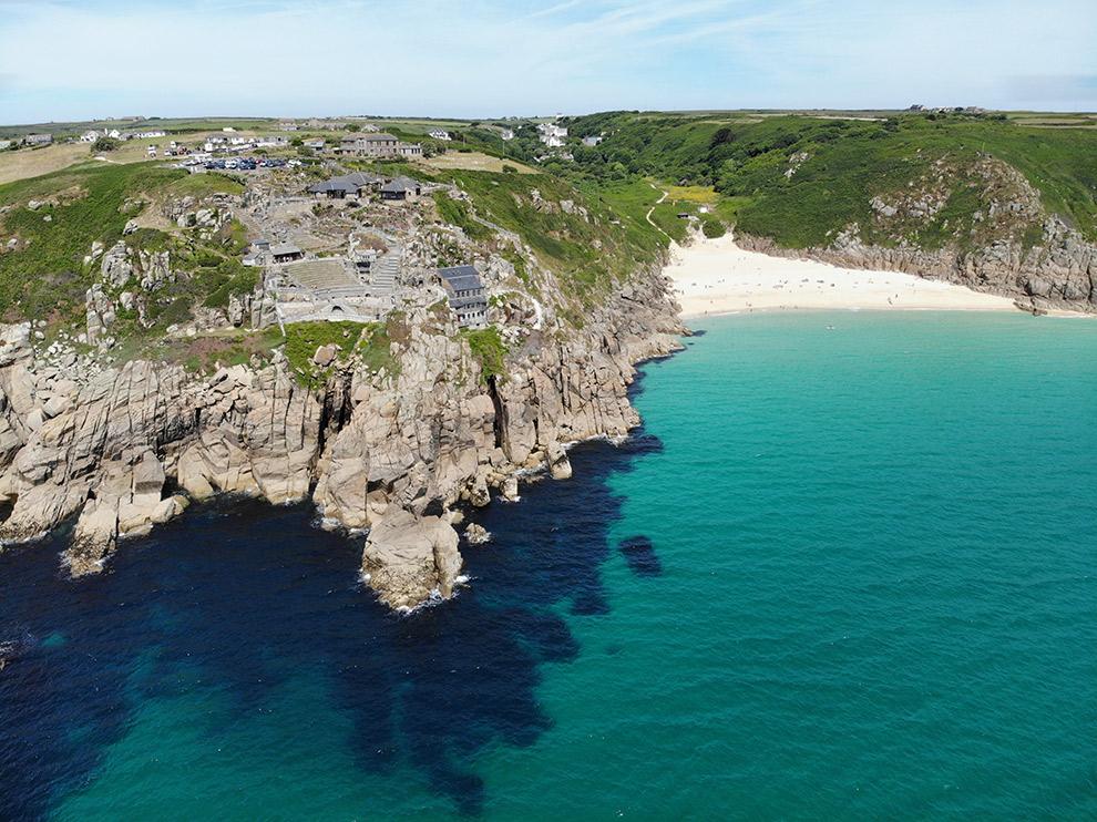 Blauwe wateren en imposante cliffs in het zuiden van Engeland