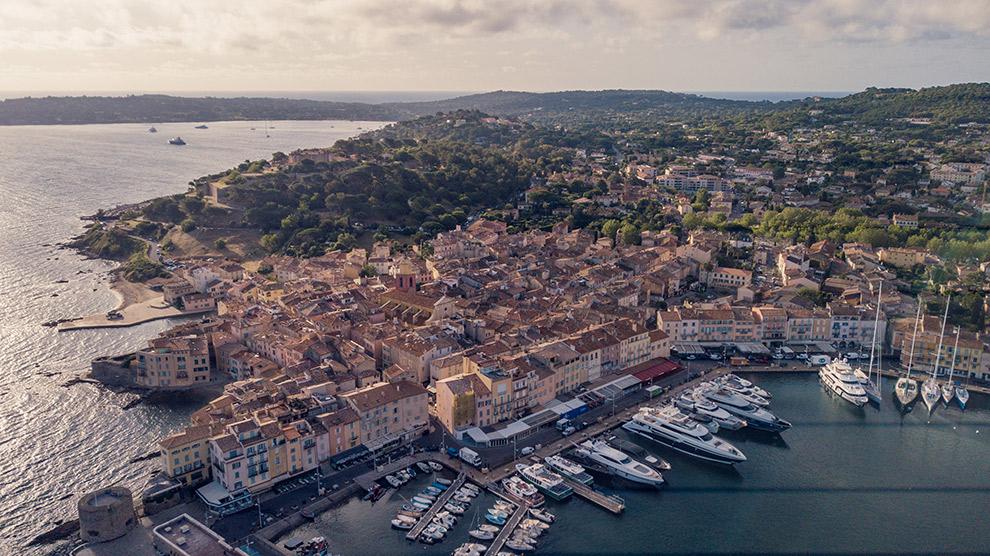 Uitzicht op de haven van Saint-Tropez