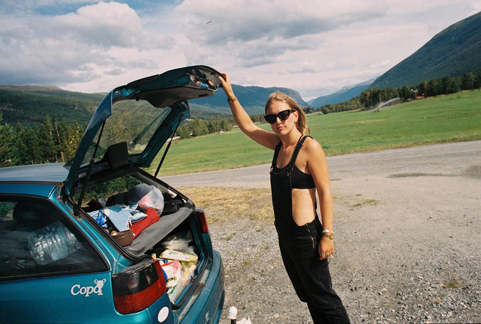 Multifunctionele achterbak auto tijdens roadtrip door Noorwegen