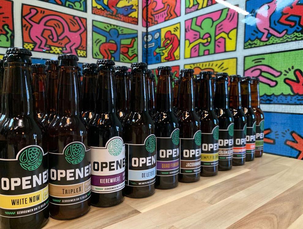 Verschillende Opener bierflesjes op een rijtje