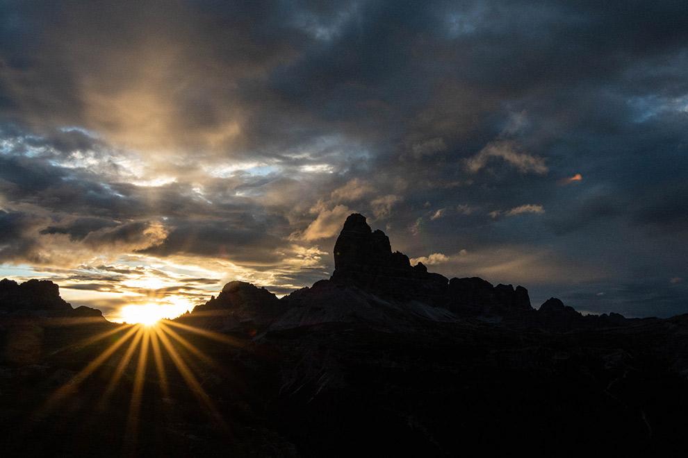 Magische zonsopkomst in de Dolomieten