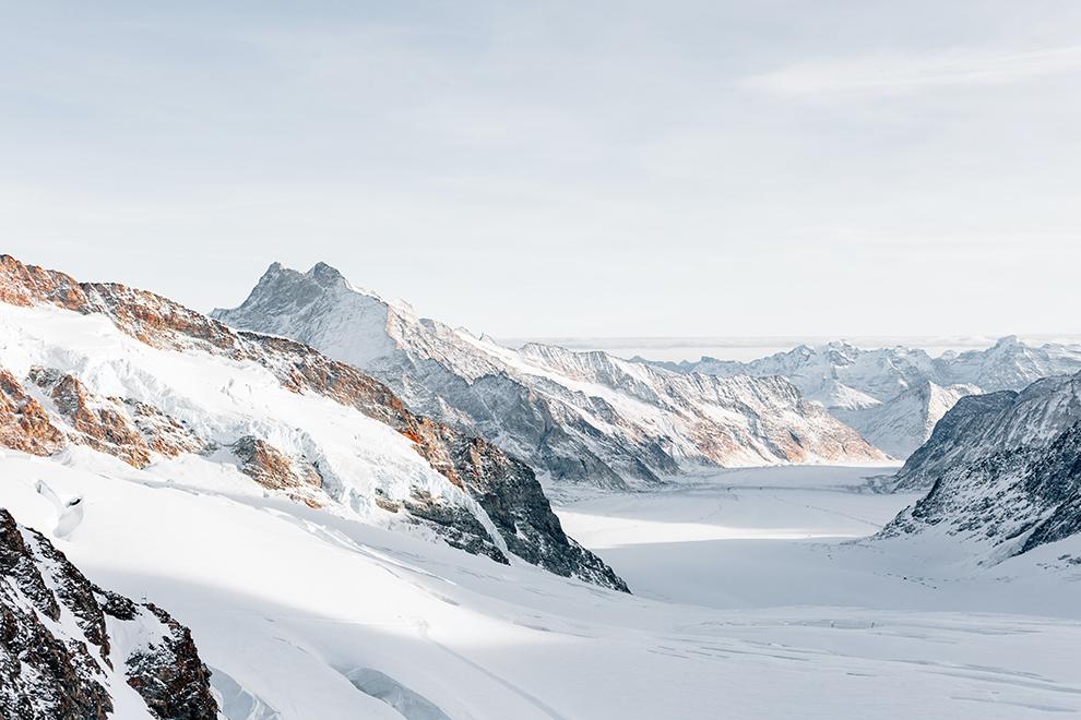 Met sneeuw bedekte bergen in Jungfraujoch, Zwitserland