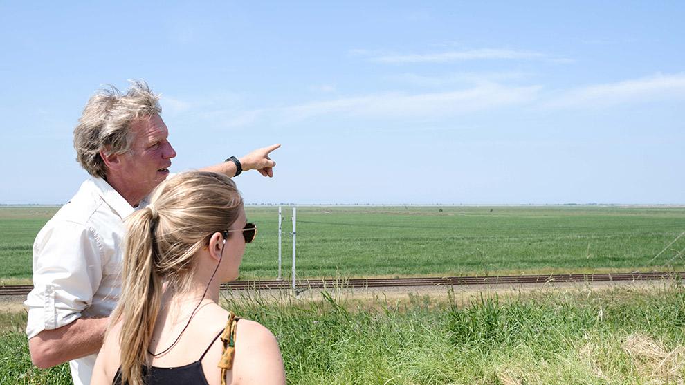 Op pad met een gids in de Oostvaardersplassen bij Almere