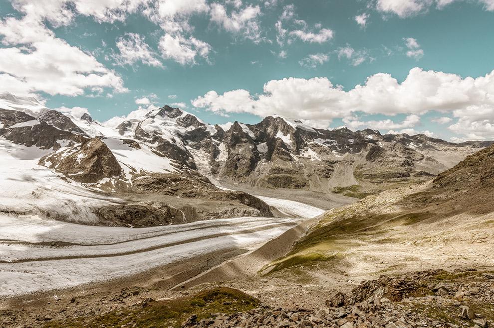 Indrukwekkende gletsjer tussen de Zwitserse bergen