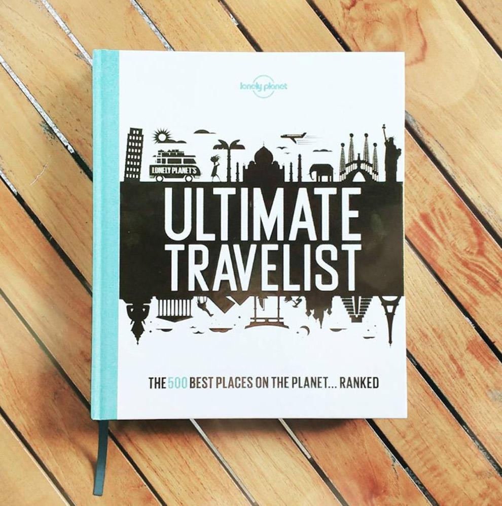 Dik boek van Lonely Planet vol reisinspiratie