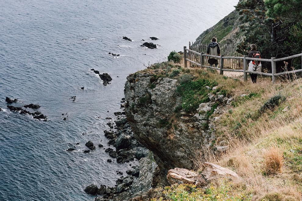 Smalle paden langs de ruige kust van Côte Vermeille