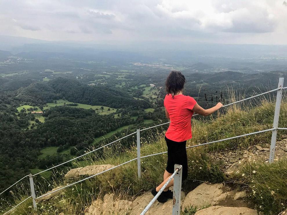 Uitzicht tijdens wandeling naar de top in Catalonië