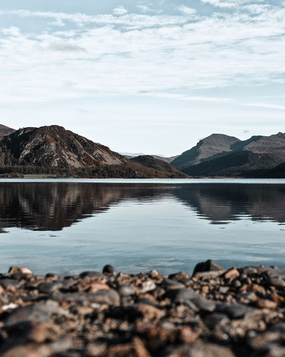Kalm meer bij Ennerdale Water creëert voor mooie weerspiegeling