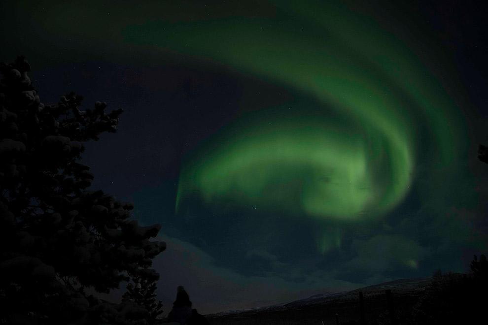 Dansende groene noorderlicht in Noorwegen