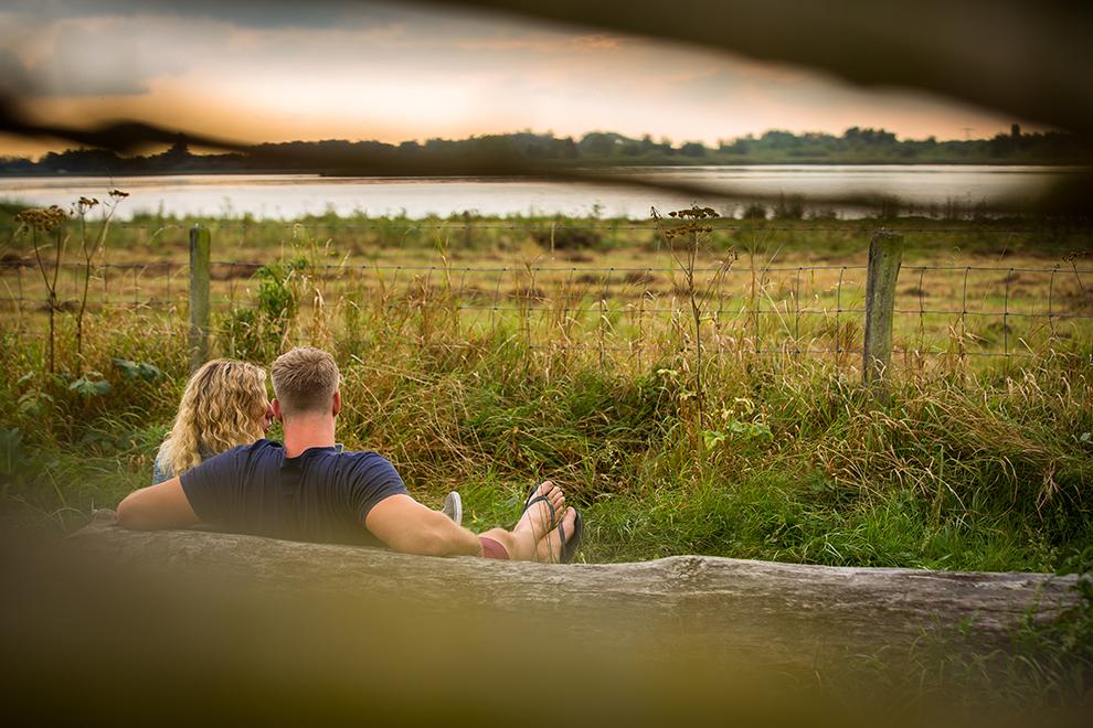 Tot rust komen op een bankje in natuurgebied de Biesbosch