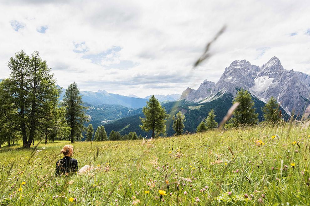 Uitrusten met uitzicht op de Dolomieten