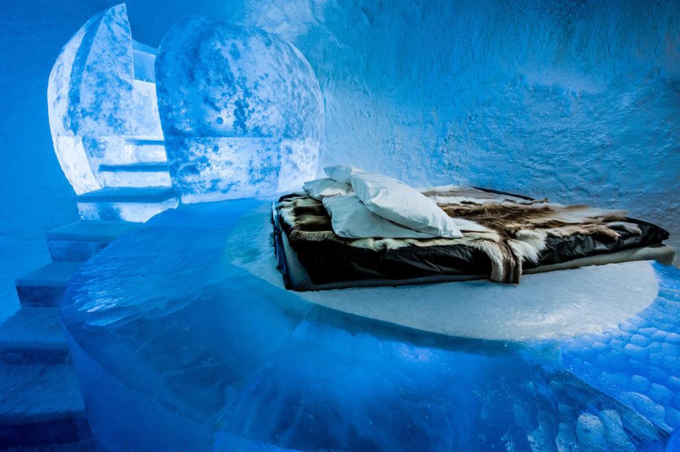 Spectaculair overnachten omringd door ijs