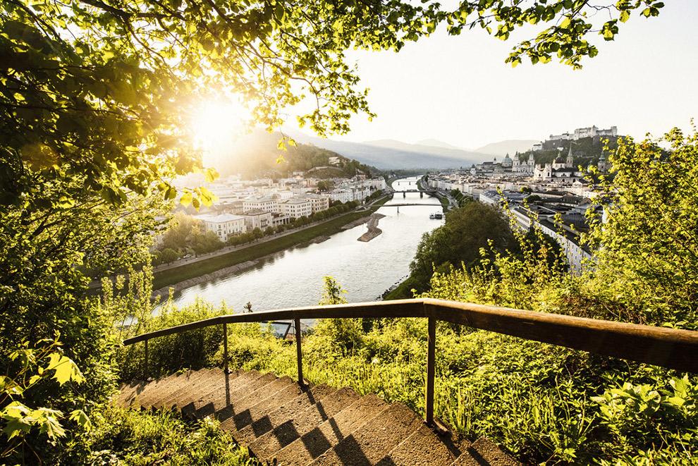 Panoramisch uitzicht op de Salzburg stad in Oostenrijk