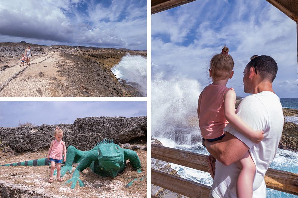 Klotsend water bij de ruige kustlijn van Shete Boka in Curaçao